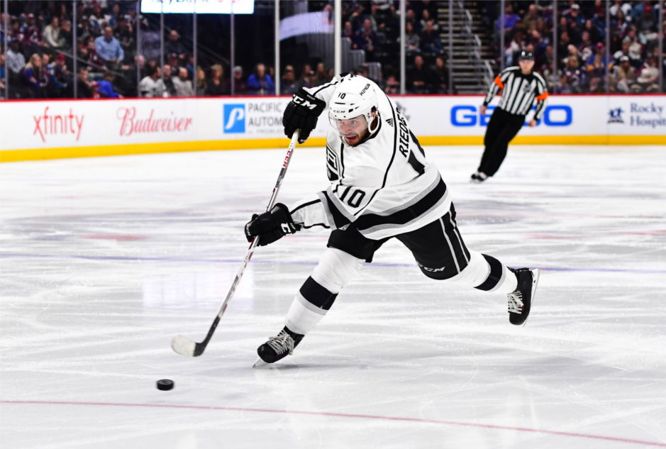 Former-los-angeles-king-and-current-edmonton-oilers-forward-tobias-rieder-takes-slapshot